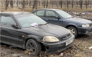 Автохамов оштрафовали на 92 тысячи рублей за парковку на газонах в Советском районе