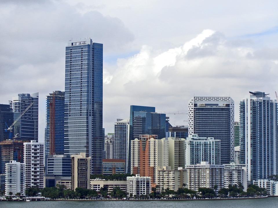 Губернатор Флориды отменил на территории штата все антиковидные ограничения