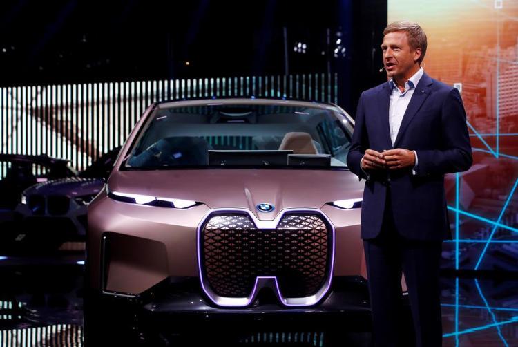 Глава BMW заявил о готовности к полному запрету продаж автомобилей с ДВС в Европе с 2030 года