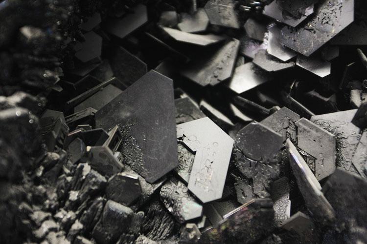 Российские учёные превратили отходы древесины в ценный полупроводник