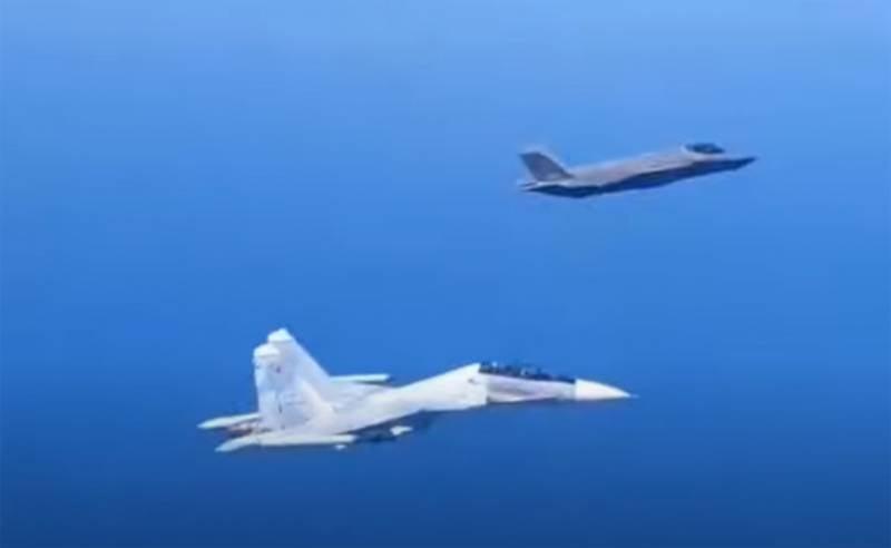 Sohu: Когда российский самолёт 4 поколения оказался на малом расстоянии от самолёта 5 поколения, уже нельзя говорить о превосходстве F-35A