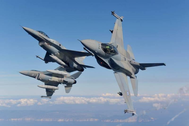 На Украине прокомментировали «разрешение» для самолётов НАТО «летать над Крымом»
