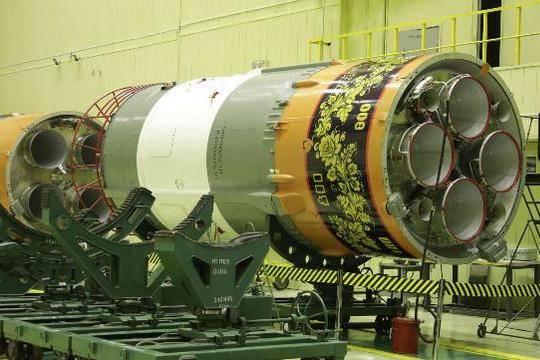 Facebook на время заблокировал пост о раскрашенной под хохлому ракете «Роскосмоса»