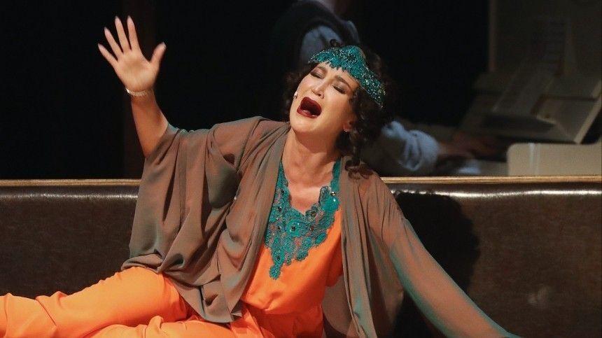«Театр умрет! Давайте назовем его ТНТ»: Лужина оценила приглашение Бузовой в МХАТ