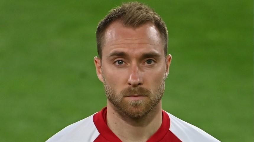 Лидер сборной Дании потерял сознание в игре с Финляндией на Евро-2020