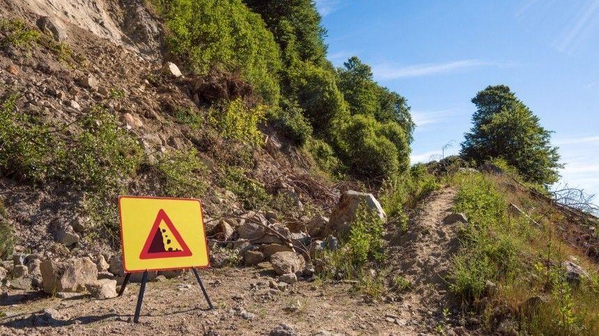 В горах Кабардино-Балкарии под камнепад попала группа туристов из Москвы