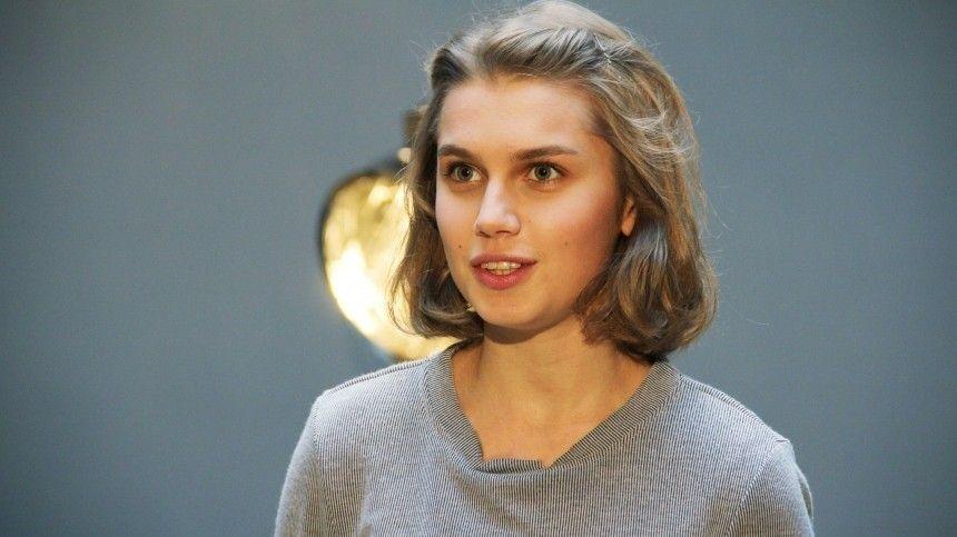 Разведенная Мельникова отреагировала на слухи о романе с Прилучным