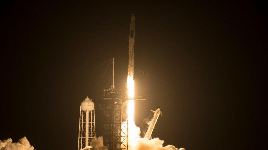 SpaceX отправляет на орбиту Dragon с туристами в рамках миссии Inspiration4