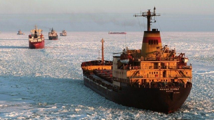 Путин: Россия намерена кратно увеличить грузопоток по Северному морскому пути