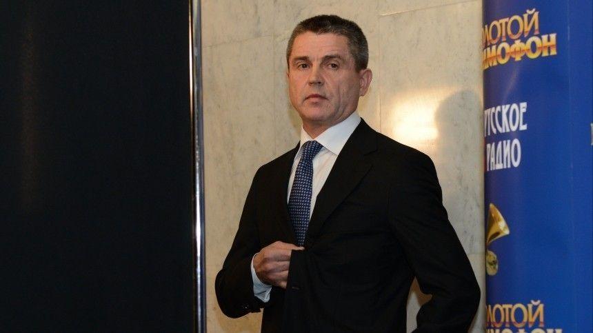 Владимира Маркина проводили в последний путь залпом салюта почетного караула