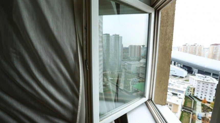 Студент МГУ выпал с 14 этажа общежития в Москве