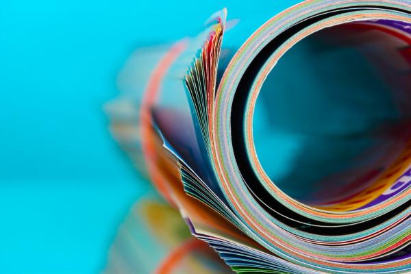 Золото приблизилось к месячному пику, воспользовавшись слабостью доллара