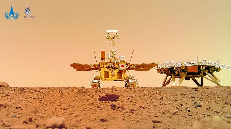 Американцы сфотографировали из космоса первый китайский марсоход на Красной планете