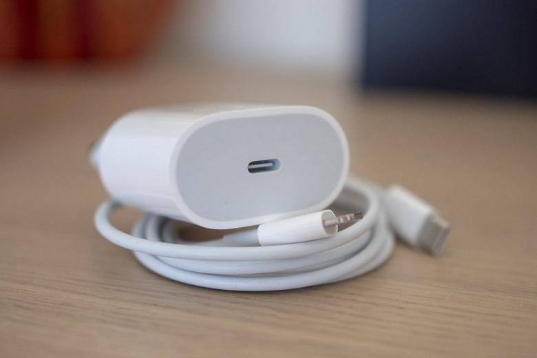 25 Вт — мощность быстрой зарядки для iPhone 13