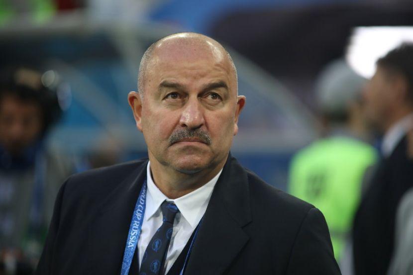 Черчесов рассказал, за что критиковал игроков сборной России после разгрома от Бельгии