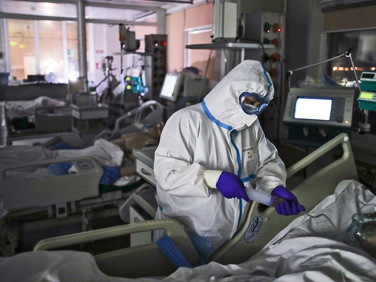 В России впервые с момента пандемии выявили более 31 тысяч заражений COVID-19 за сутки
