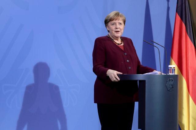 Меркель допустила закупку вакцины «Спутник V» для Германии