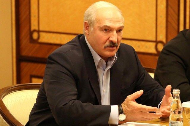 Лукашенко предлагает сократить количество посольств Белоруссии