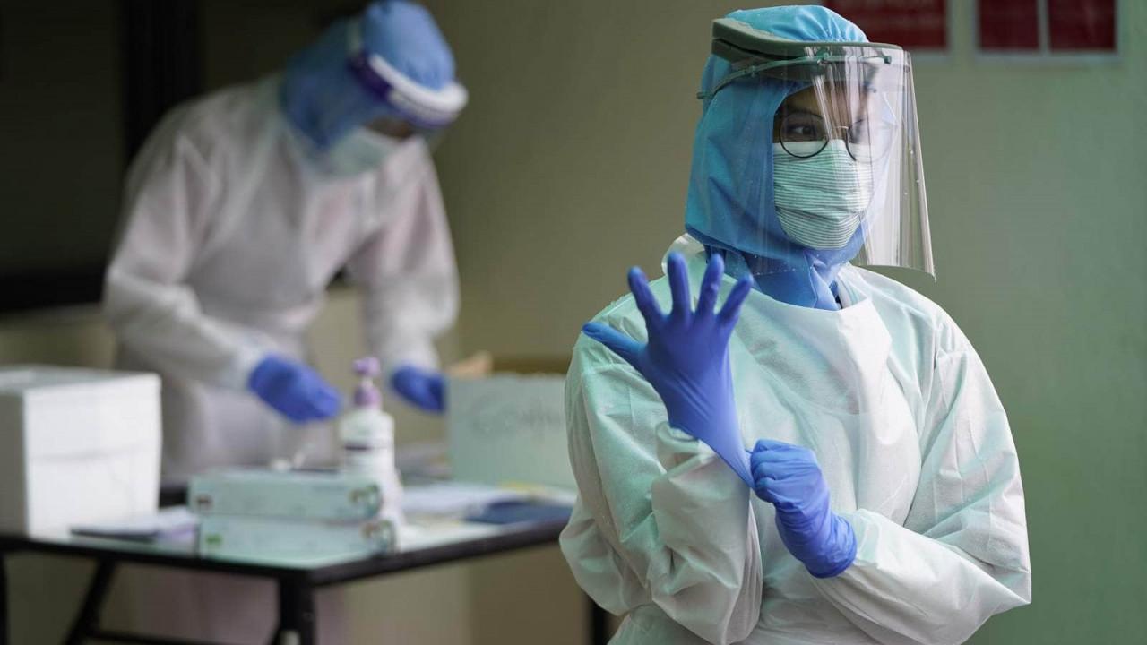 Врач заявил об опасности COVID-19 для 98% невакцинированных