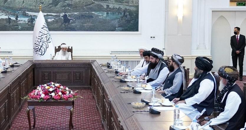 Талибы заявили о допуске женщин в сектор здравоохранения