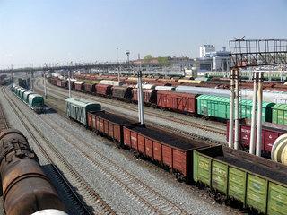 Профицит внешней торговли России сократился в январе-апреле