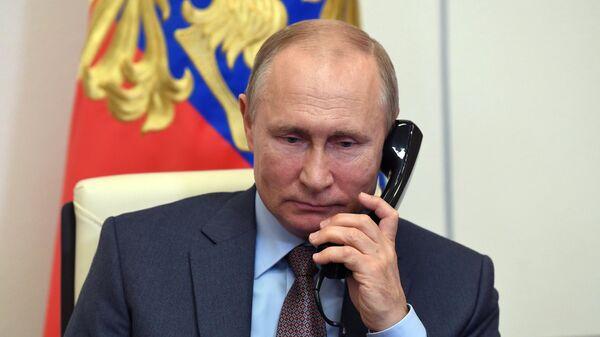 В Кремле раскрыли темы разговора Путина и Меркель