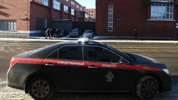 В Югре пьяный водитель 'прокатил' полицейского на капоте своей иномарки