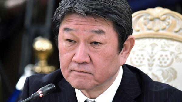 Глава МИД Японии призвал к 'солидарному подходу' в отношении России