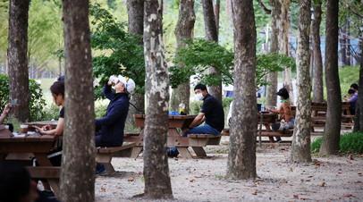 Южная Корея продлила правила социального дистанцирования на две недели