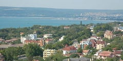 Болгария открылась для российских туристов, но без виз и прямых рейсов