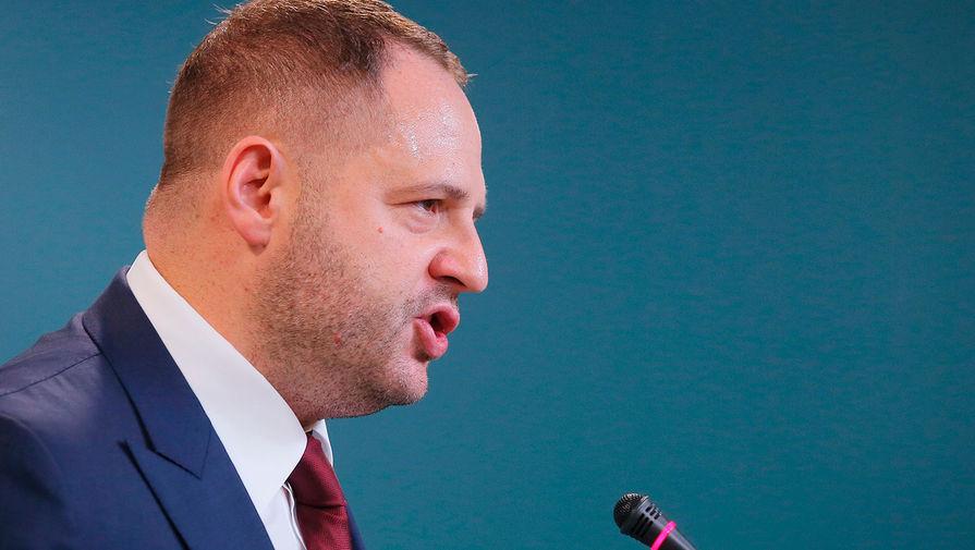 Глава офиса президента Украины в 2020 году зарабатывал больше Зеленского