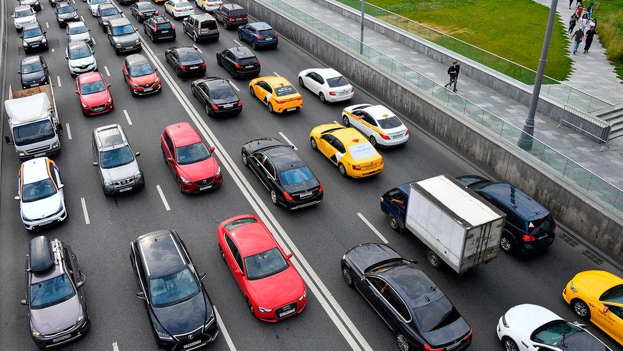 В Минпромторге опровергли дефицит машин в автосалонах
