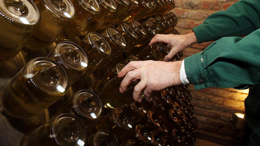 Французский МИД призвали срочно вмешаться в ситуацию с российским законом о шампанском
