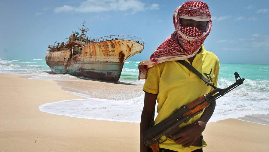 Пираты захватили трех заложников на греческом танкере около Нигерии