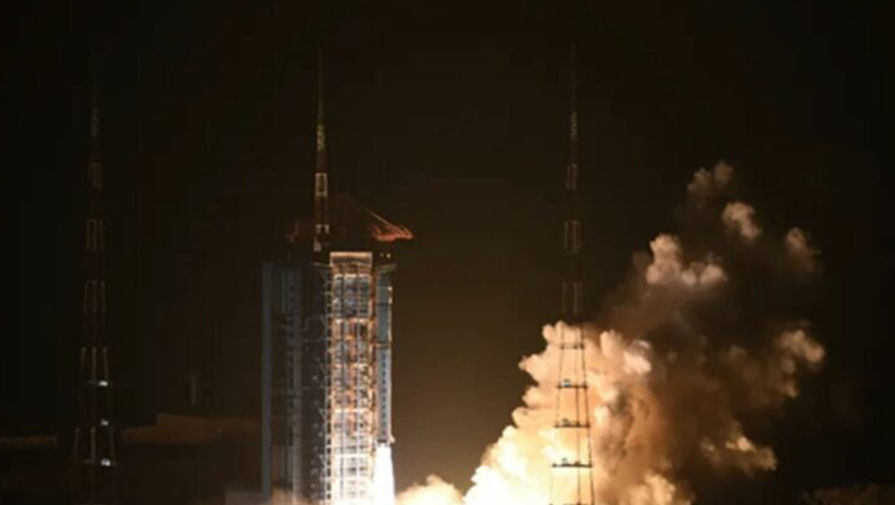 Китайцы запустили в космос первую солнечную обсерваторию