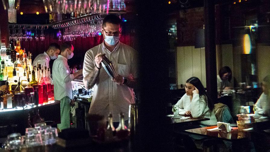 Ресторатор Татулова оценила идею премировать вакцинированных сотрудников