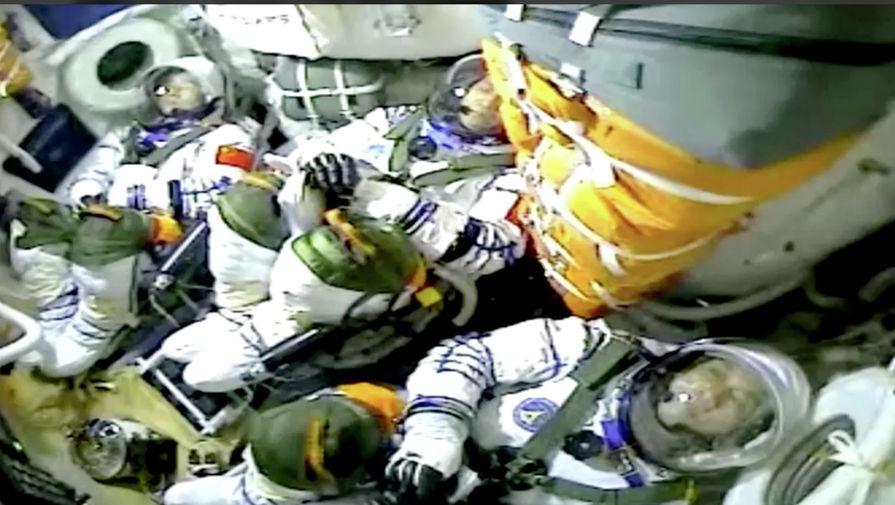 Космонавты обратились к российским спортсменам перед Олимпиадой в Токио