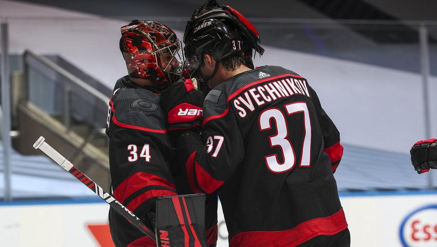 Свечников забил первую шайбу 'Каролины' в новом сезоне НХЛ