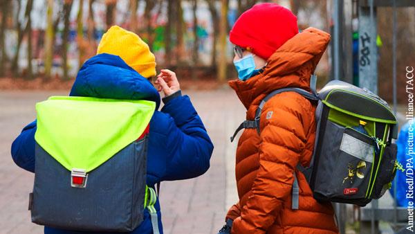 Инфекционист раскрыл механизм распространения COVID-19 через школьников