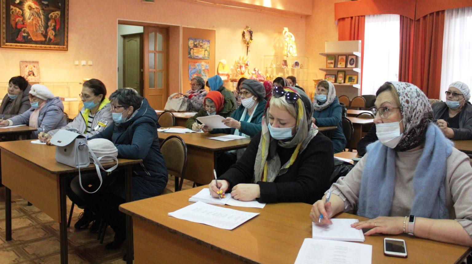 Богословские курсы открылись в Биробиджанской епархии