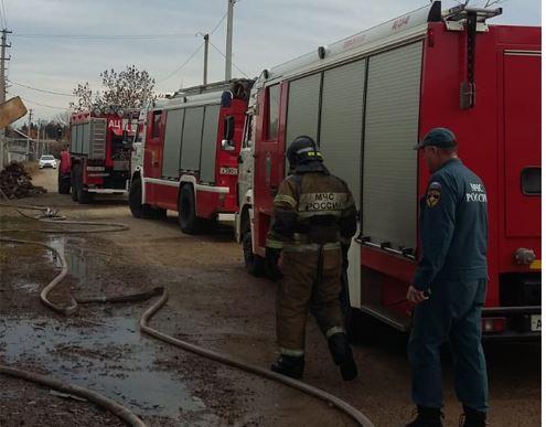 Неисправный электросамокат спровоцировал крупный пожар в жилом доме в Биробиджане