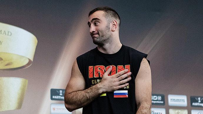 Гассиев досрочно победил Валлиша и завоевал пояс WBA Asia