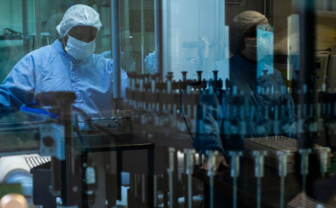 Гинцбург назвал отличие вакцины «Спутник V» от вакцины AstraZeneca