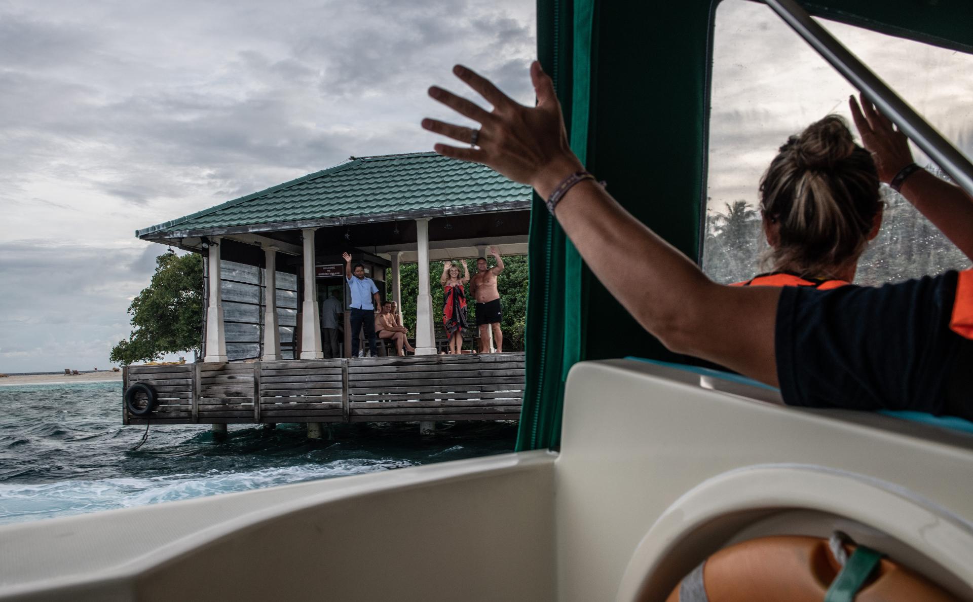Мальдивы введут для туристов налог на выезд