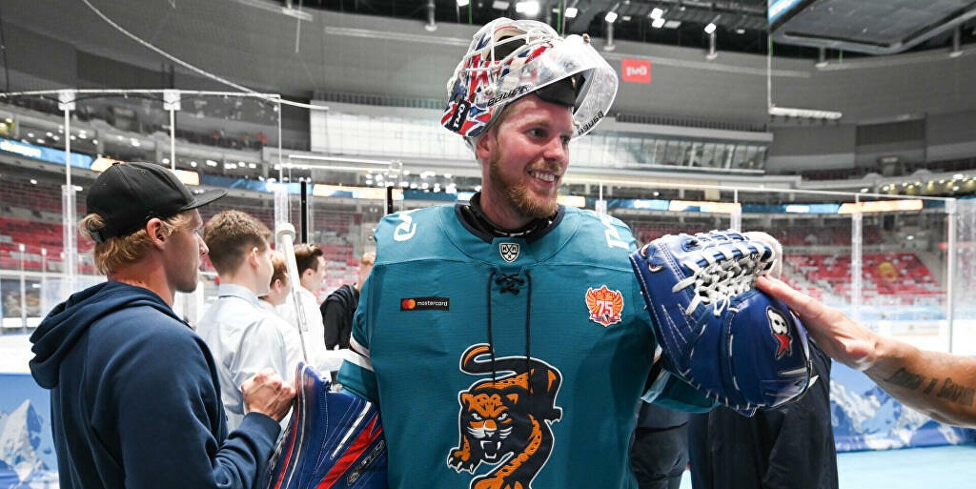 Магнус Хелльберг: «Хотелось бы еще раз попробовать заиграть в НХЛ. Интерес из Северной Америки есть»