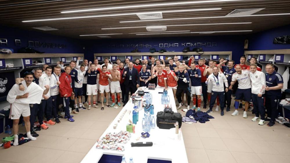 Мостовой не поможет сборной РФ на Евро-2020 из-за положительного ковид-теста