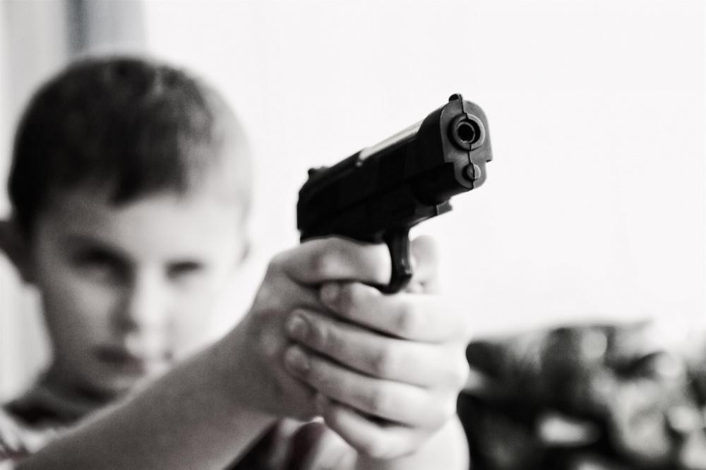 Детский психолог: Замкнутый ребенок может прийти в школу с оружием