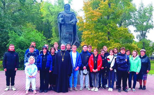 Школьники Чапаевска познакомились с историей старейшего городского храма