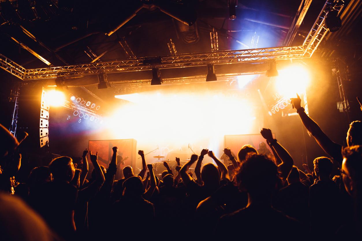 Владелец Maximum договорился с кинотеатрами о показах концертов популярных групп