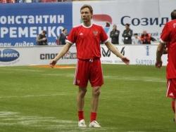 Дюков раскрыл детали контракта Карпина